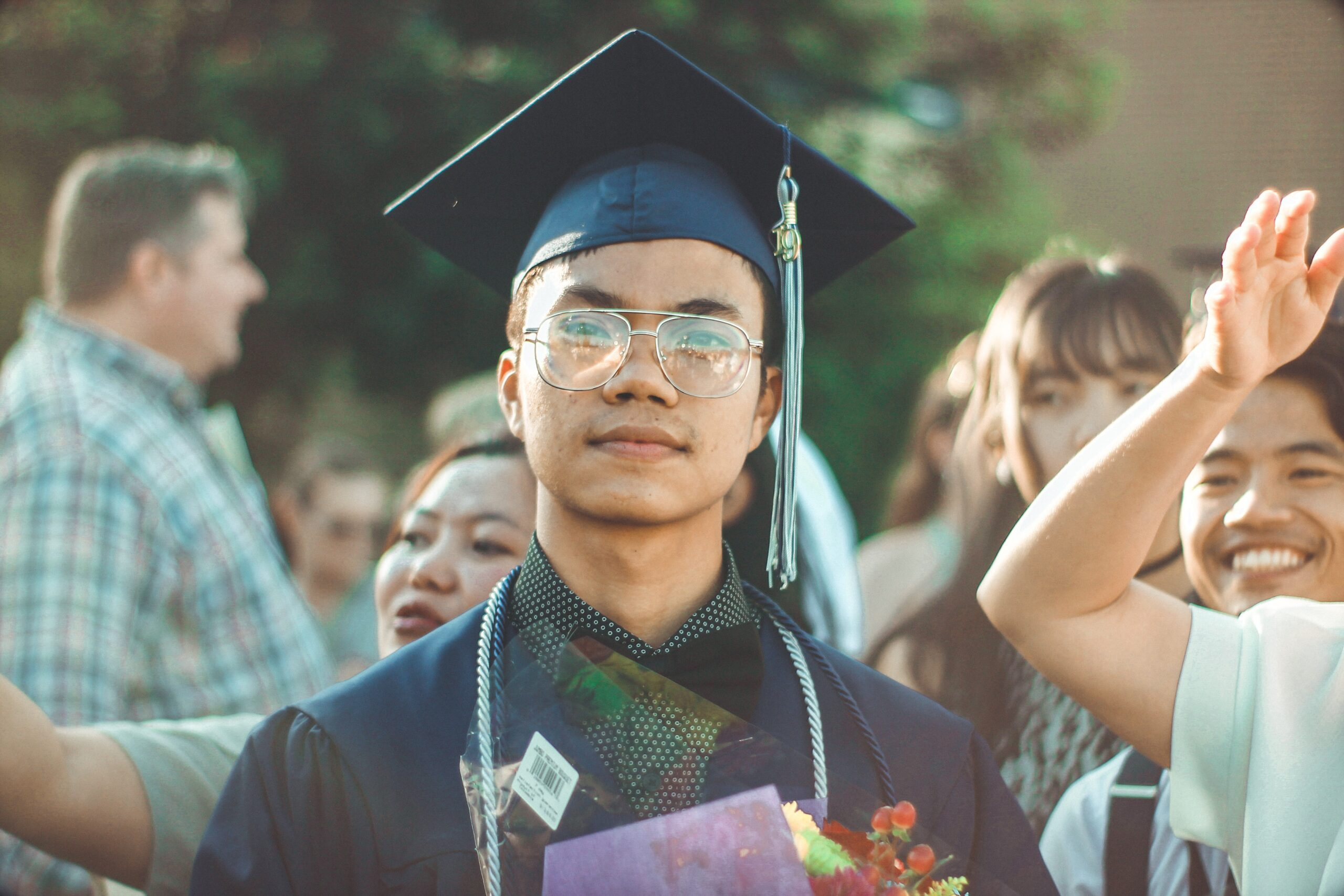 5 College Scholarships without Recommendation Letter